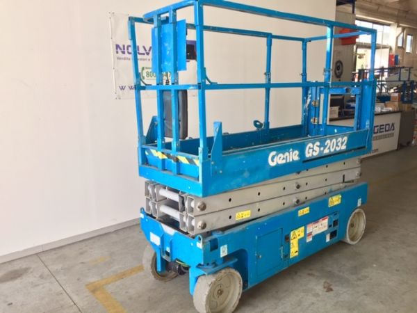 Electrical scissor lift Genie mod: GS 2032 - V80 342 - Foto #2