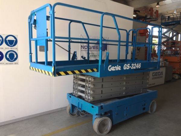Electrical scissor lift Genie mod: GS 3246 - V120 360 - Foto #2