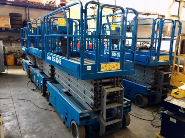 Electrical scissor lift Genie mod: GS 3246 - V120 360 - Foto #4